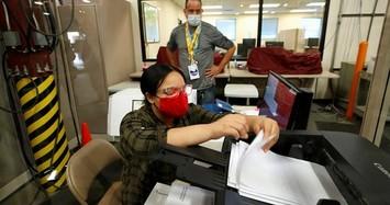 Cận cảnh công tác kiểm phiếu bầu cử Mỹ tại các bang 'chiến trường'