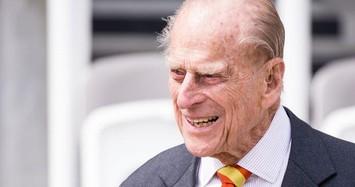 Ảnh từ bé đến trưởng thành của Hoàng thân Philip - phu quân Nữ hoàng Anh