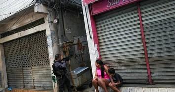 Cảnh đấu súng kinh hoàng giữa cảnh sát Brazil và tội phạm ma túy khiến 25 người chết