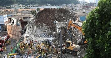 Hiện trường nhà cao tầng đổ nhào trúng xe buýt khiến nhiều người thiệt mạng