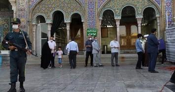 Loạt ảnh người dân Iran đi bỏ phiếu bầu Tổng thống
