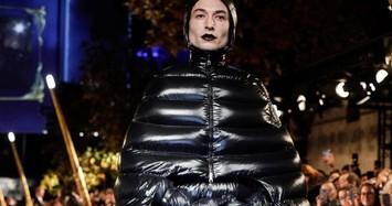 Những người nổi tiếng diện trang phục gây sốc giới truyền thông