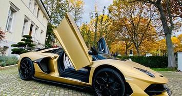 Đại gia Cường Đô la tậu siêu xe Lamborghini Aventador SVJ mui trần