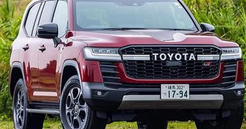 Toyota Land Cruiser GR Sport từ 1,61 tỷ đồng