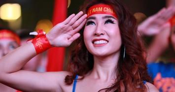 'Nóng' cùng những cô gái xinh đẹp trong trận U22 Việt Nam - U22 Campuchia