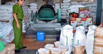 Niêm phong hàng chục tấn hàng ở Sóc Trăng vì nghi đường trộn nước và muối