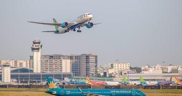Khách hàng thêm thiệt khi hàng không tăng phụ phí vé máy bay?
