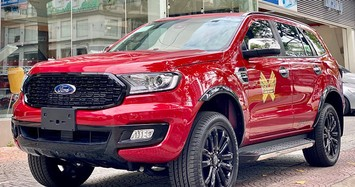 Ford Everest giảm 100 triệu đồng trong tháng 5/2021