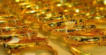 Giá vàng hôm nay: Trong nước giảm nhẹ, thế giới bất ngờ tăng mạnh
