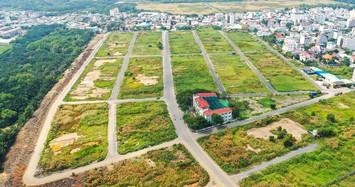 Khách hàng mua đất của Tổng công ty Thái Sơn căng băng rôn đòi quyền lợi