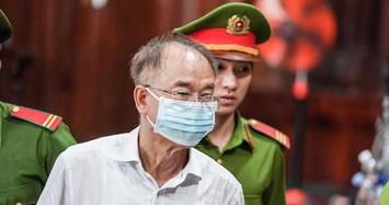 Ông Nguyễn Thành Tài cùng nữ đại gia Bạch Diệp chuẩn bị hầu tòa