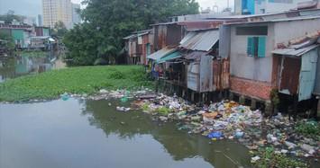 Đề nghị xử lý nghiêm nhà ven bờ sông, kênh, rạch xây dựng trái phép ở TP HCM