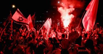 Có chính phủ liên minh mới, người dân Israel đổ ra đường ăn mừng
