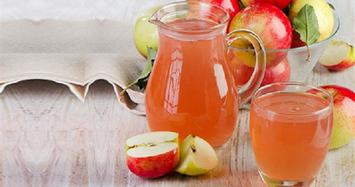 Luộc táo lấy nước uống sẽ có hiệu quả bất ngờ