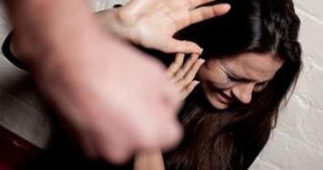 Chồng ở Quảng Bình bạo hành vợ 11 năm: Sao người vợ không đánh trả?
