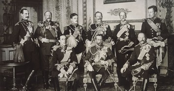 Đằng sau bức ảnh đặc biệt chụp 9 vị vua nổi tiếng thế giới