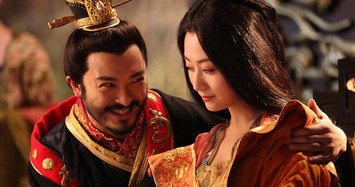 Hoàng đế Trung Quốc nào cúi mình như nô bộc hầu hạ mỹ nhân?
