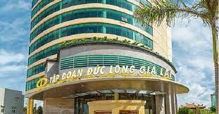 Cổ phiếu DLG quay đầu giảm mạnh khi bị HoSE đưa vào diện kiểm soát