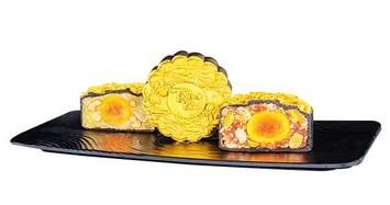 Có gì đặc biệt ở những chiếc bánh trung thu giá hàng chục triệu đồng?