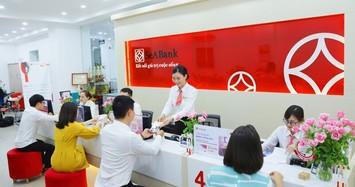 SeABank: Tiền gửi khách hàng sụt giảm, lợi nhuận 6 tháng gấp 2,4 lần