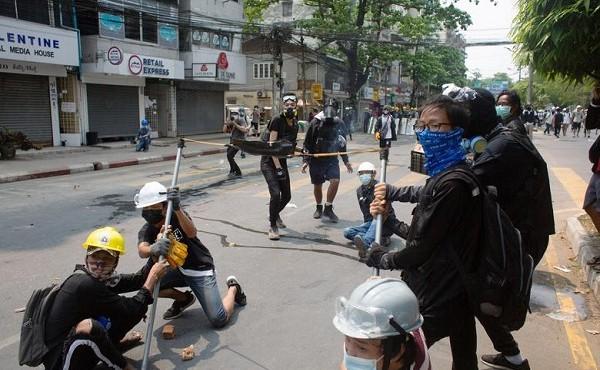 Vì sao ban bố thiết quân luật tại Yangon?