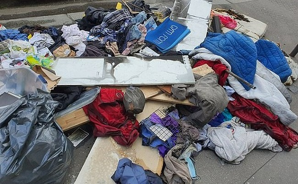 Kinh đô ánh sáng Paris ngập trong rác gây ngỡ ngàng