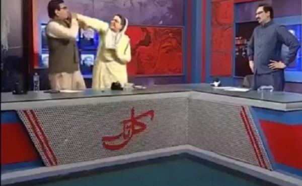 Khi chính trị gia Pakistan xô xát nhau trên sóng truyền hình