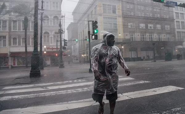 Cận cảnh siêu bão Ida đổ bộ nước Mỹ