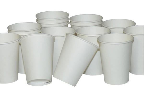 Giật mình nguy cơ sức khỏe từ cốc giấy tiện lợi