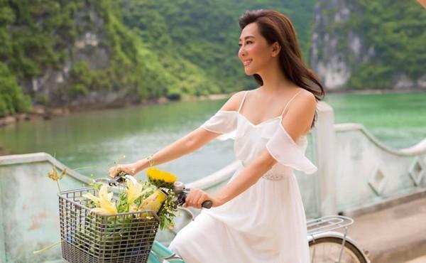 U60 Nguyễn Cao Kỳ Duyên gợi cảm, nóng bỏng hơn gái đôi mươi