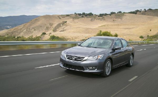 Mỹ điều tra hơn 1,1 triệu chiếc Honda Accord vì mất lái đột ngột
