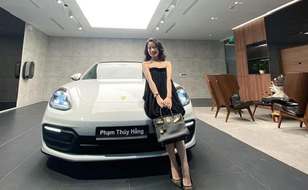 Ái nữ Nghệ An nhận quà siêu xe 8 tỷ