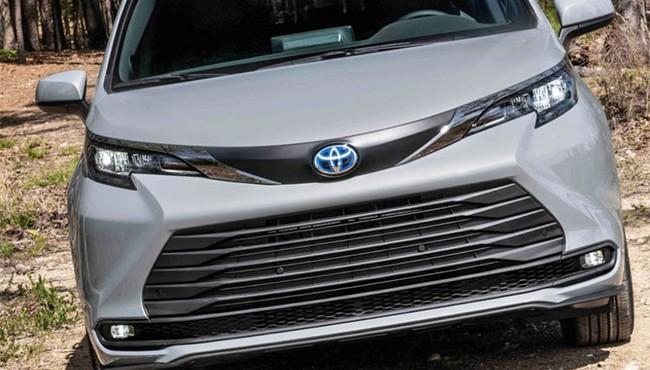Cận cảnh Toyota Sienna Woodland SE 2021 giá từ 1 tỷ đồng