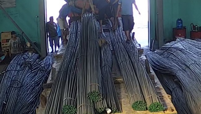 Giả thầy chùa gọi điện mua 20 tấn sắt để chiếm đoạt