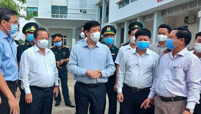 Bộ trưởng Y tế yêu cầu Kiên Giang cần chuẩn bị cho tình huống xấu hơn