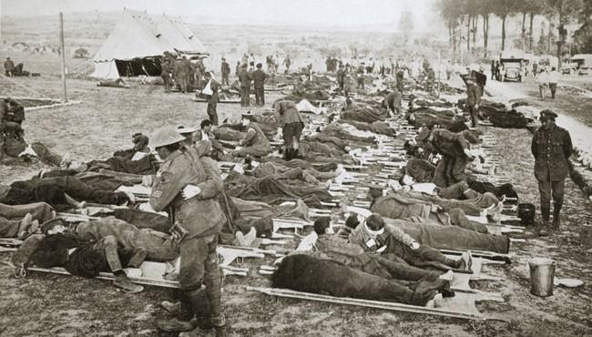 Lục lại hình ảnh trận Somme đẫm máu, hơn 1 triệu binh sĩ tử trận