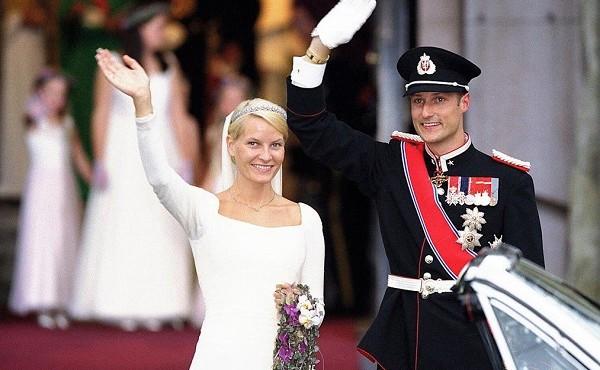 Chuyện tình 'nàng lọ lem' của Hoàng gia Na Uy
