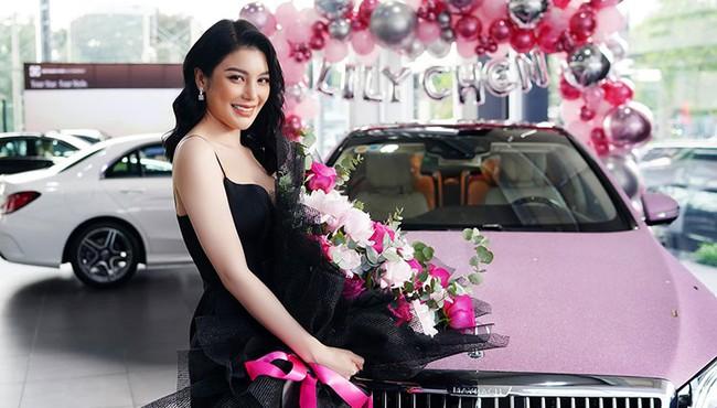 Ngọc nữ bolero Lily Chen chi hơn 7 tỷ tậu Mercedes-Maybach S450