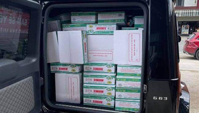 Đại gia Sài Gòn lái xe 10 tỷ chở hàng cứu trợ COVID-19
