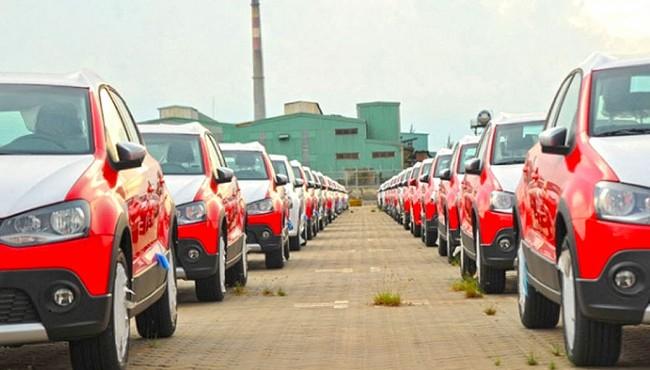 Ôtô nhập khẩu ồ ạt về Việt Nam giữa đại dịch COVID-19