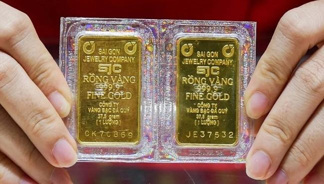 Giá vàng hôm nay tiếp tục tăng mạnh