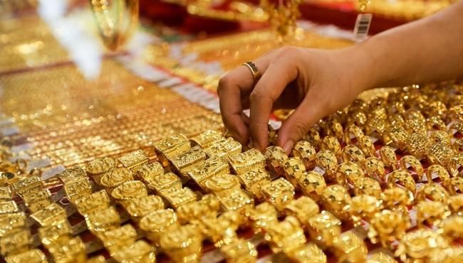 Giá vàng hôm nay giảm đến 400.000 đồng mỗi lượng