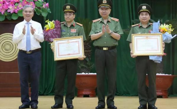 Giám đốc Công an TP.HCM nhận huân chương Chiến công hạng nhất
