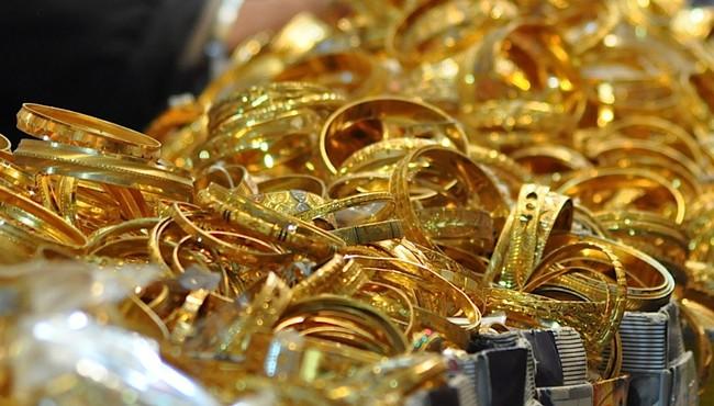 Giá vàng hôm nay: Tăng nhẹ, trong nước cao hơn giá thế giới khoảng 7 triệu đồng/lượng.