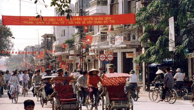Hà Nội năm 1994 cực chất qua ống kính người Nhật