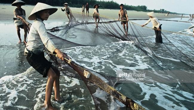 Loạt ảnh khó quên về ba miền Việt Nam năm 1994