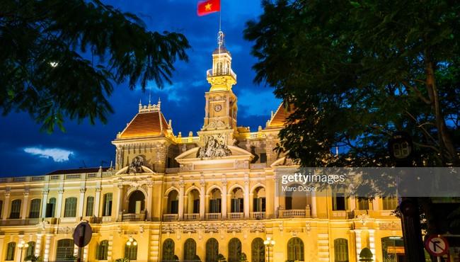 Quốc kỳ Việt Nam đầy khí thế trong mắt phóng viên quốc tế