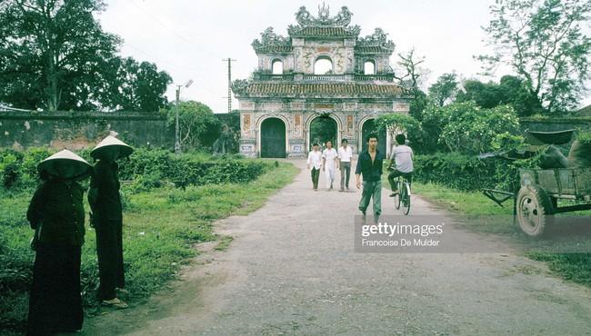 Khung cảnh bình dị ở Hoàng thành Huế năm 1989