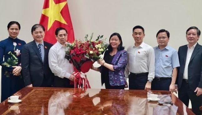 Trưởng ban Dân vận Trung ương dẫn đoàn đại biểu chúc mừng Thủ tướng Chính phủ Phạm Minh Chính