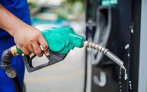 Giá xăng dầu tăng vọt, RON95 lên tới 24.338 đồng/lít